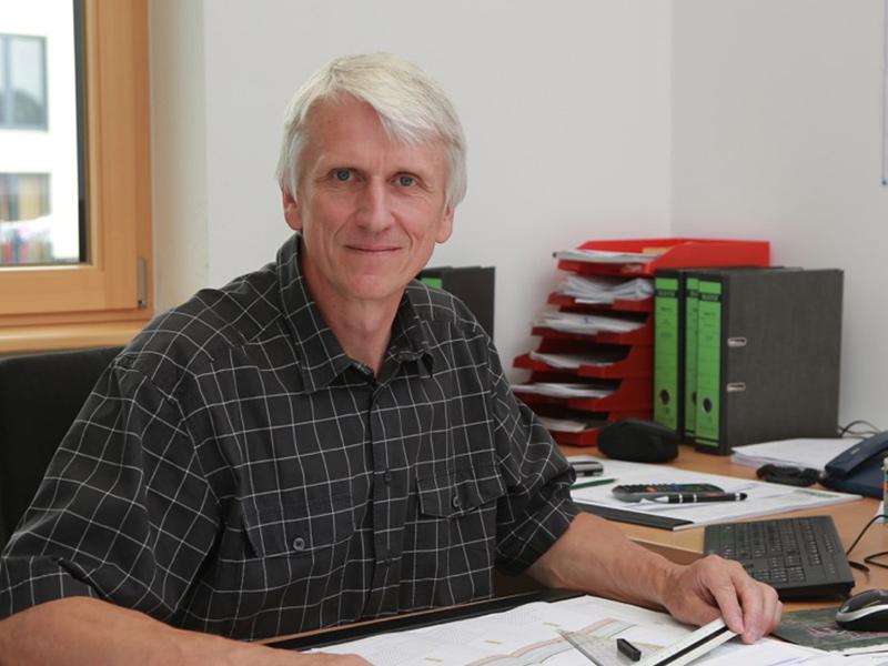 ANTON DWORZAK, Diplom-Ingenieur (FH)